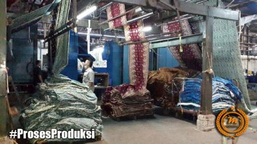 Proses produksi batik dengan mesin textile mmenjadikan hasil lebih berkualitas